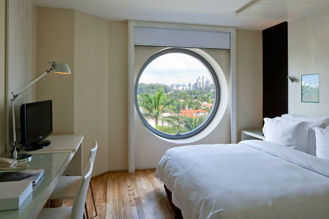 round circle window